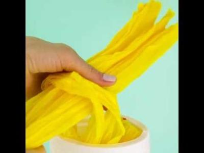 Easy DIY plastic bag dispenser.5-Minute Craft.