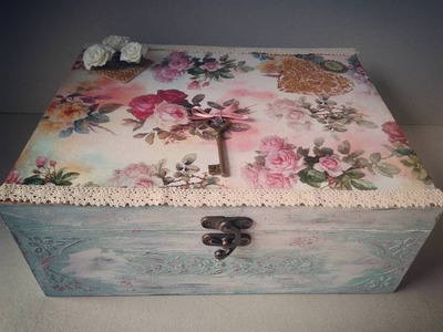How to decor a vintage wooden box with decoupage and chalk paint