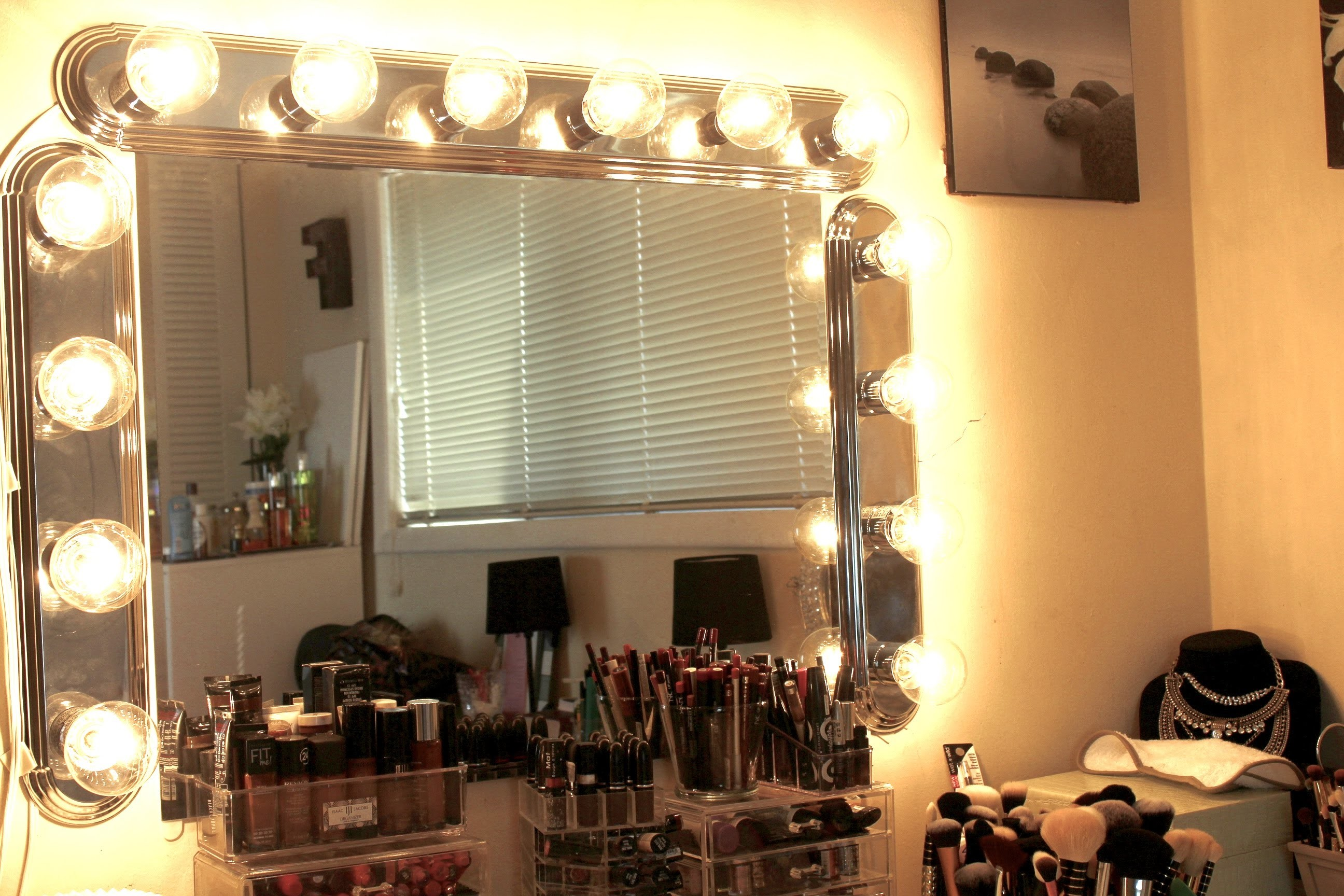 HOW TO: Cheap Vanity Lights DIY Under $100
