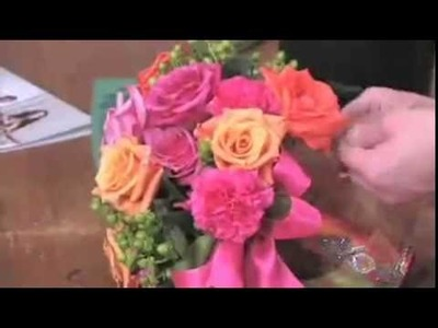 How to Create a Bridesmaid Bouquet!
