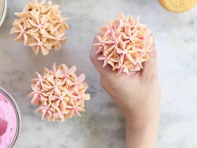 How to Frost Hydrangea Cupcakes