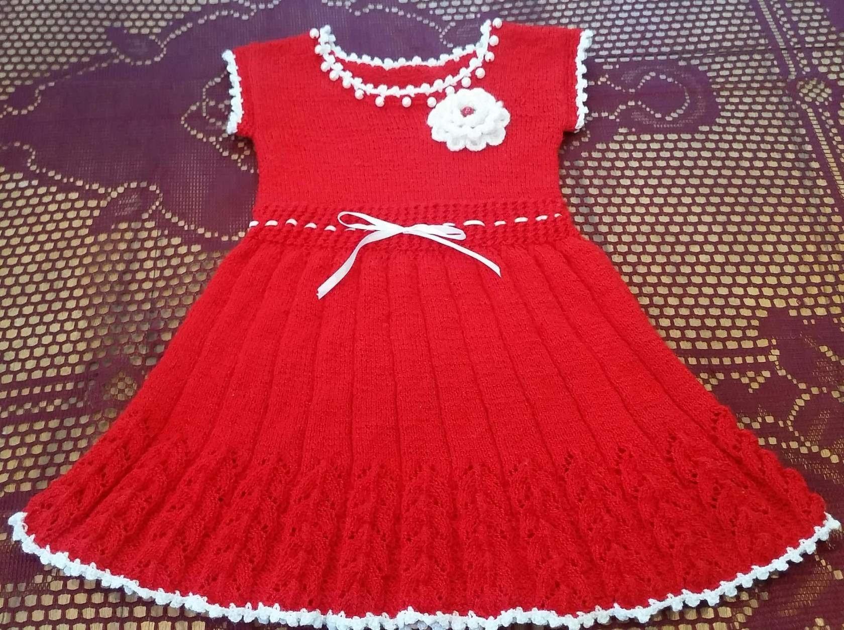 Rochița tricotata partea 2. How to knit a dress part 2