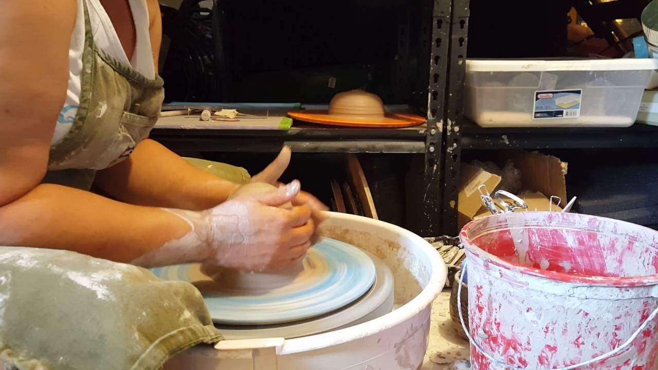 Clay Tips: How to Center Clay on the Pottery Wheel and Some Common Issues