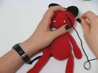 RT Bites: Simple Softies Cat - Sleepy eyes, nose, and mouth (Crochet Amigurumi detailing)
