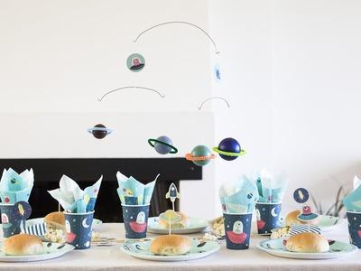 DIY: Planet ceiling mobile by Søstrene Grene