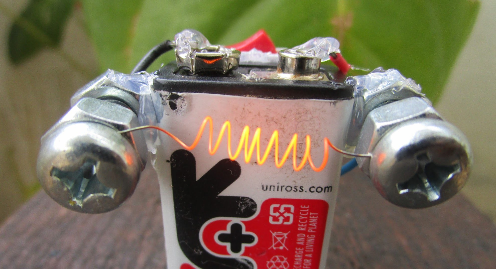 How to Make an Electric Hot Wire Lighter - Awesome Ideas