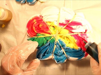 Review: Tulip Tie Fabric Dye Kit, Classic - DIY Swirly Tie-Dye T-Shirts | How To | Tutorial