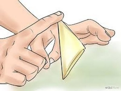 How to make a paper flick football origami for beginners (very easy)