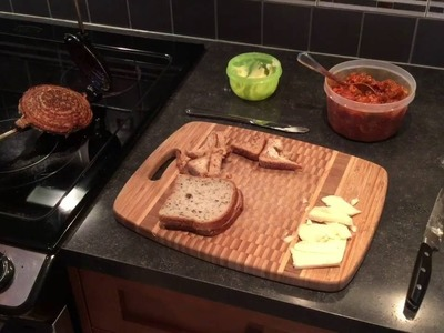 How to make fun hot sandwiches with the RETRO TOAS-TITE sandwich maker