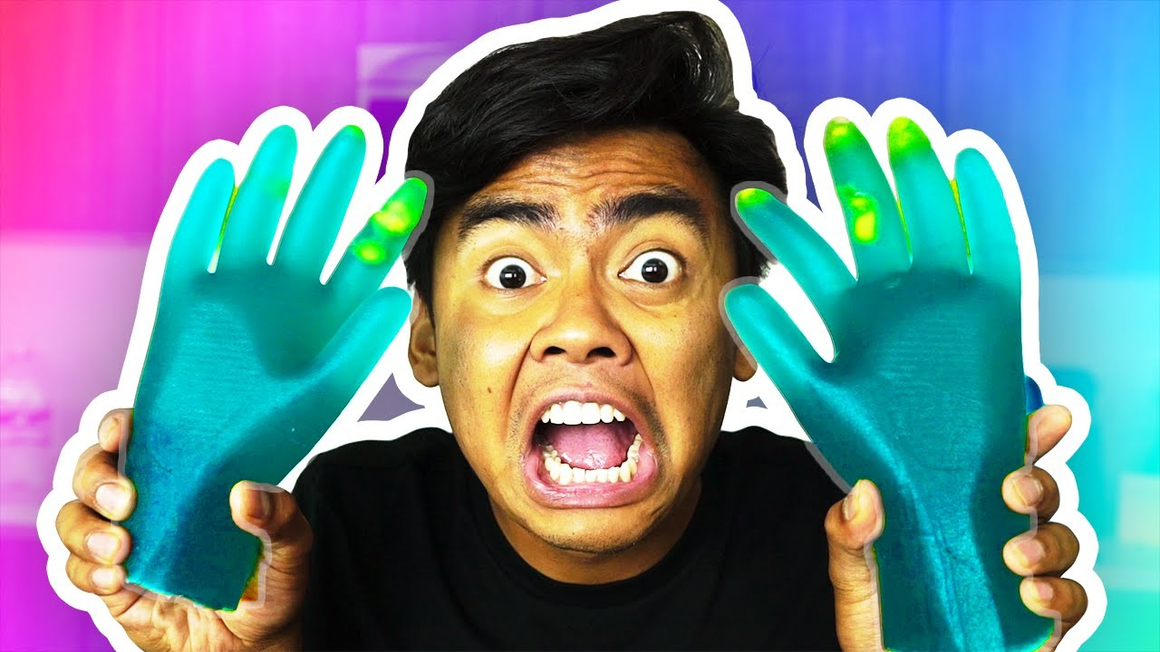 DIY GUMMY HANDS!