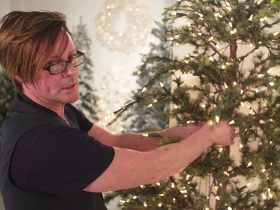 Masterclass 09: How to decorate a tree: adding baubles