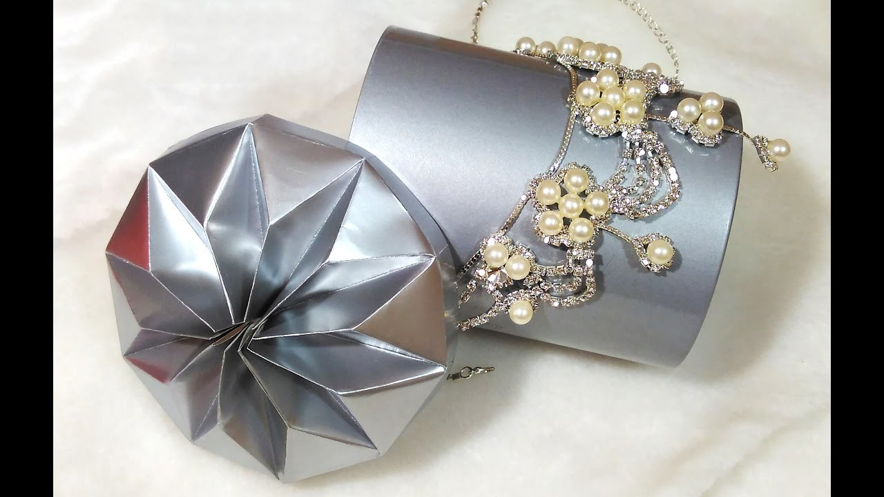 Easy DIY  flower in origami style. Star lid for any gift box. Ideas for room decoration