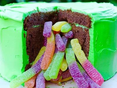 Easy Halloween recipe: How to make a Halloween pinata cake