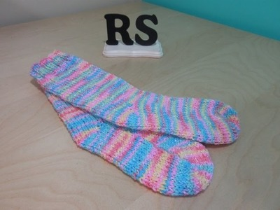 How to knit a pair of socks for beginners