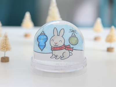 How to decorate a snow globe