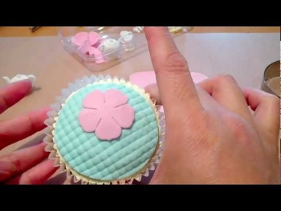 How to Make a Mother's Day Cupcake - Fondant Tea Set