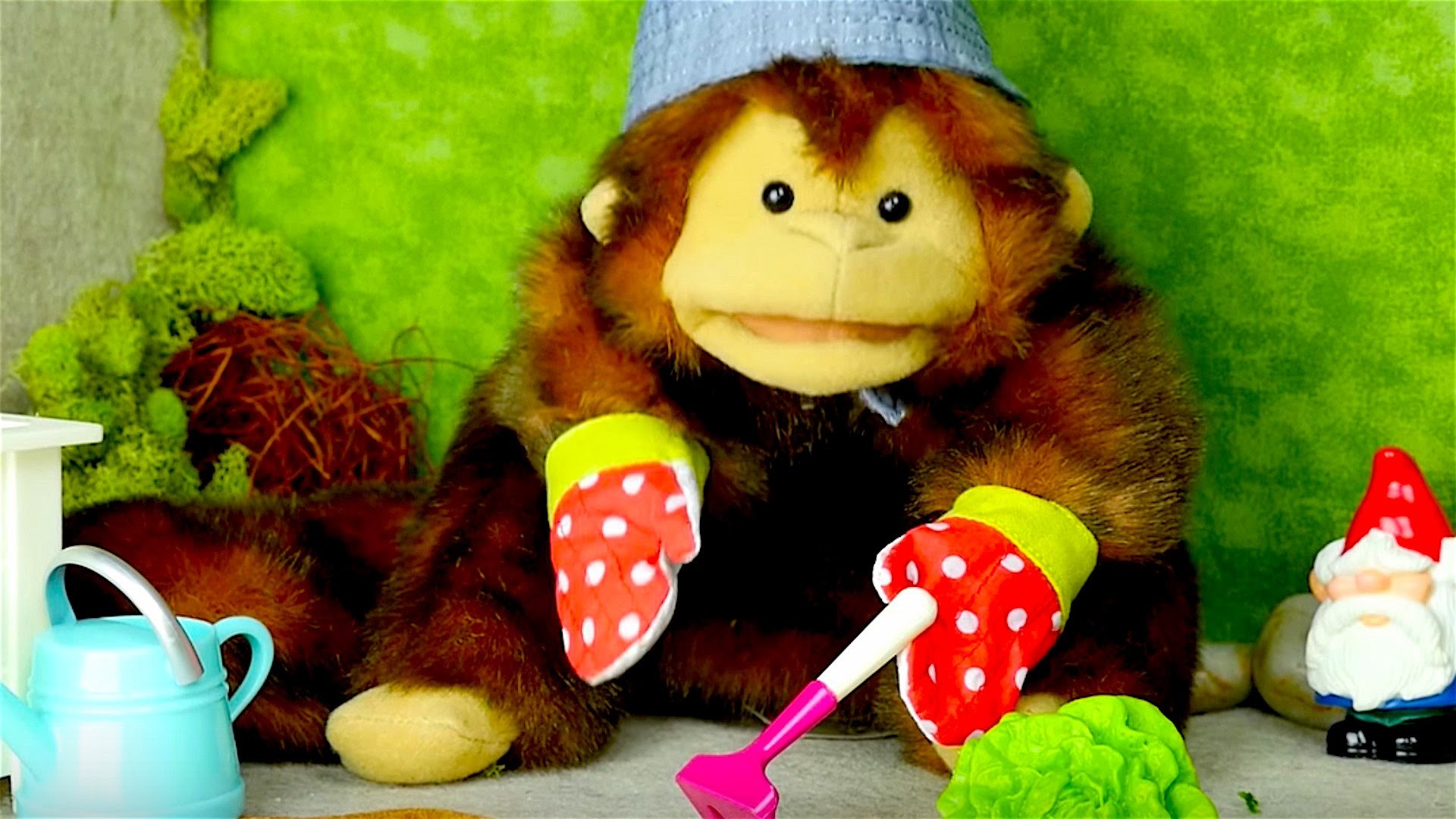 Videos for kids - Toy Gardening Tools - Names of vegetables - Mary the Monkey