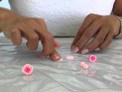 How to make a Rose and Flowers with cold porcelain|| Como hacer una Rosa y Flores en porcelana fria