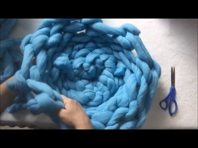 How to hand knit your cat bed with BeCozi, fast version