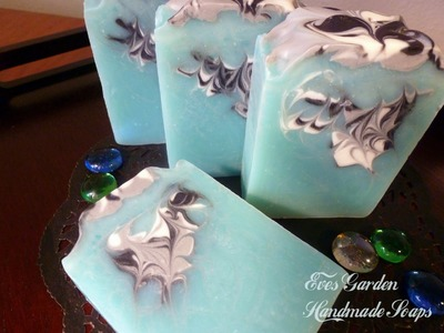 Making Blue Glacier Soap ~ Hanger Swirl