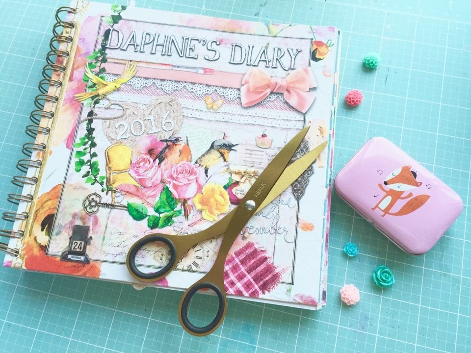 Up Close and Personal ~ featuring the Daphne Diary (Planner Review)