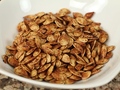 Roasted Pumpkin Seeds With Cinnamon, Sugar, & Coconut Oil by Rockin Robin