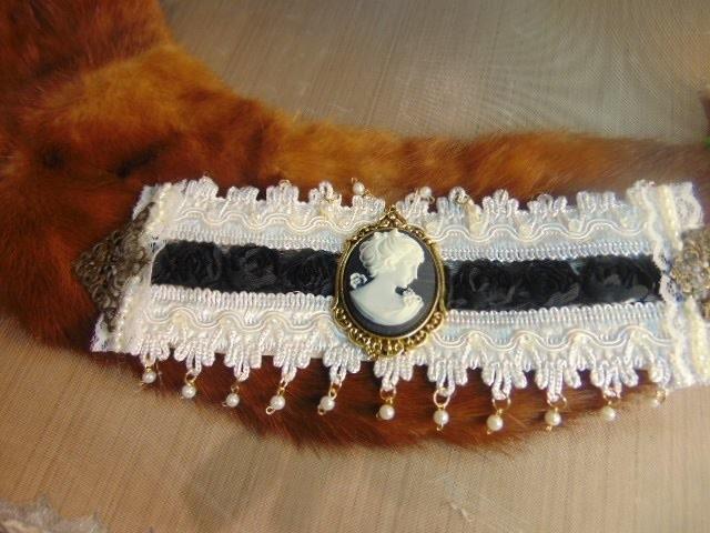 Cameo, Lace & Bead Bracelet Tutorial