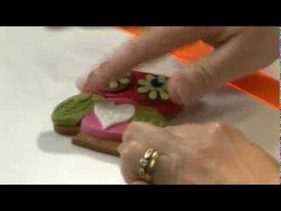 How to decorate owl cookies -  from Lindy Smith's 'Creative colour for cake decorating' book