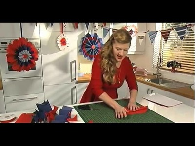 HOW TO MAKE GIANT HANGING PARTY ROSETTES by Hannah Read-Baldrey