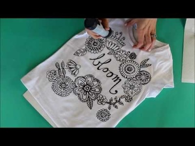 Coloring shirt diy with puff paint