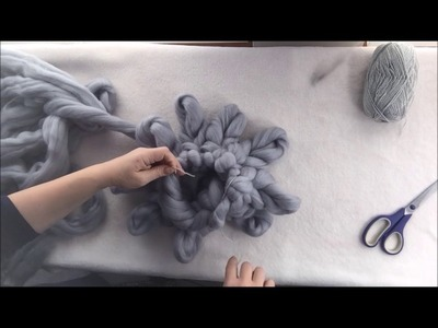 How to arm.hand knit a super chunky Merino wool pillow with BeCozi