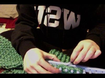 Infinity scarf loom knitting
