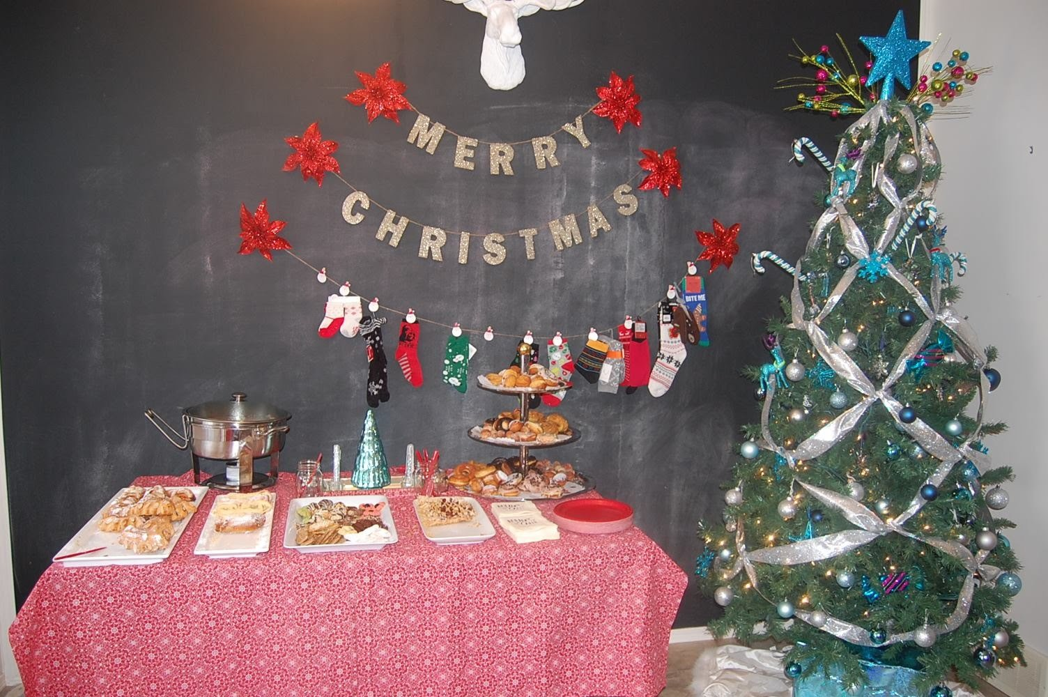 How To: Plan an AMAZING Christmas Party
