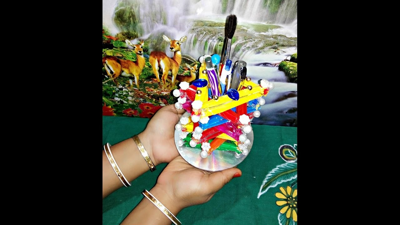 Colourful Pen Stand with Waste spoon for Christmas Gift .