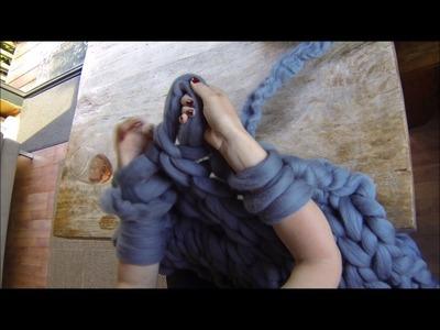 DIY Chunky Wool Throw Tutorial | 5) Add new yarn
