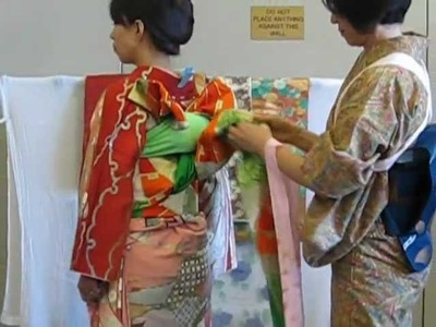 Japanese Kimono - how to put on a bird-style obi