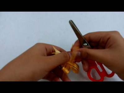 How to curl ribbon with scissor