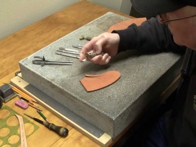 Leather Carving for Beginners Leathercraft Tips on Tooling Leather with Swivel Knife