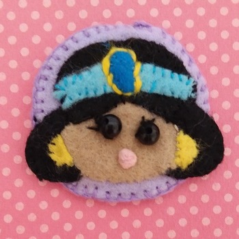 Adorable Felt Handmade Tsum Tsum Characters - Minnie Mouse (Fridge Magnet)