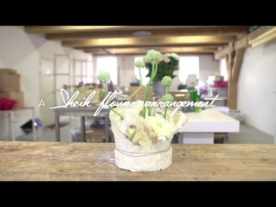 A Sheik flower arrangement by Nelleke Bontje | Flower Factor How to Make | Powered by Deliflor