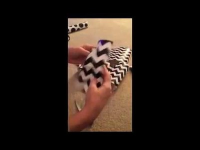 How to Make a Christmas Bow out of Wrapping Paper