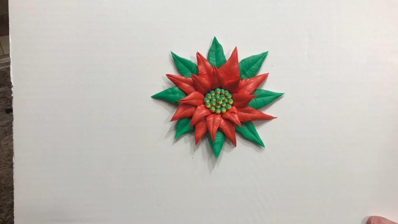 How to pipe a buttercream poinsettia