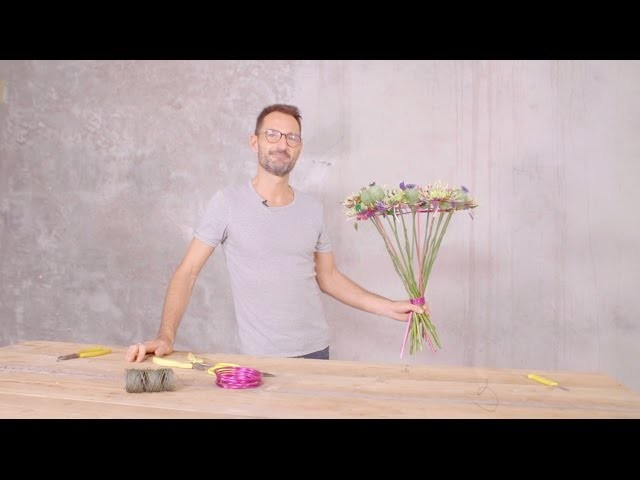 Sparkling Chrysanthemum Bouquet by Alex Segura | Flower Factor How to Make | Powered by Deliflor