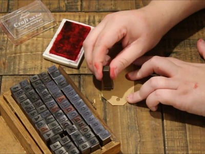 MAKING A CHRISTMAS EVE BOX IN 2 MINUTES