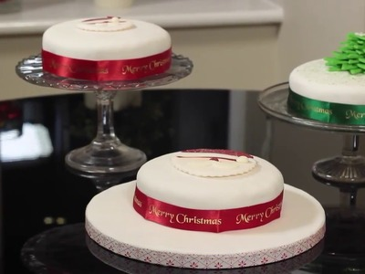 How to make two simple Christmas cake decorations with Persimmon Homes