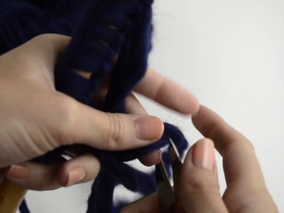 How to cast on without having to calculate the length of yarn needed | WE ARE KNITTERS