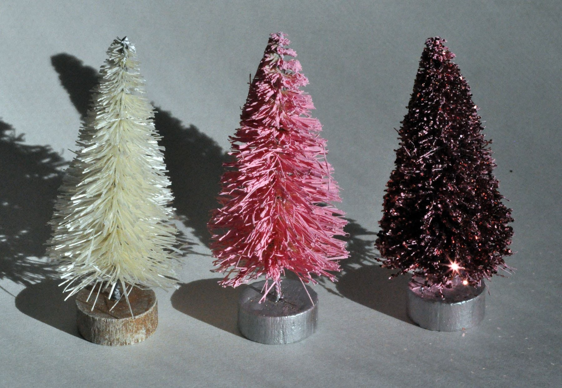 How to paint and glitter a bottle brush tree