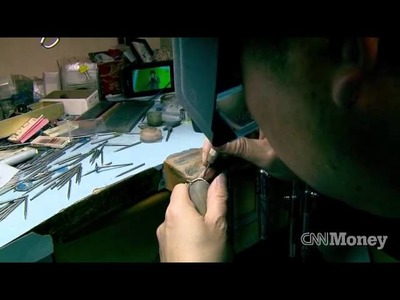 Engagement ring: watch how it's made