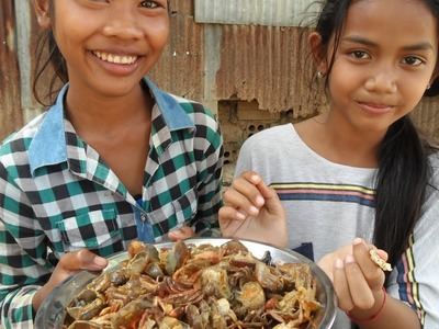 Food Khmer cooking in my village, How to cook crab fry #95
