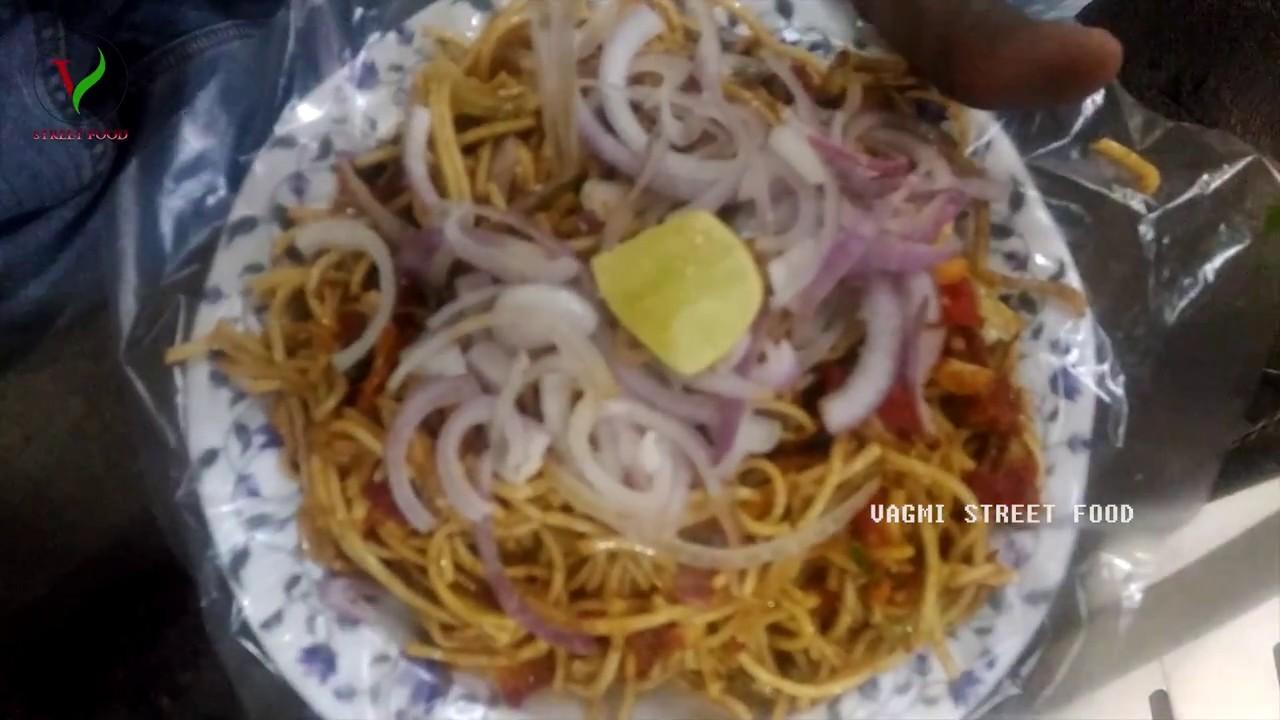 GOBI MANCHURIAN MIXED HAKKA NOODLES   HOW TO MAKE GOBI NOODLES AT FAST FOODS   STREET FOOD